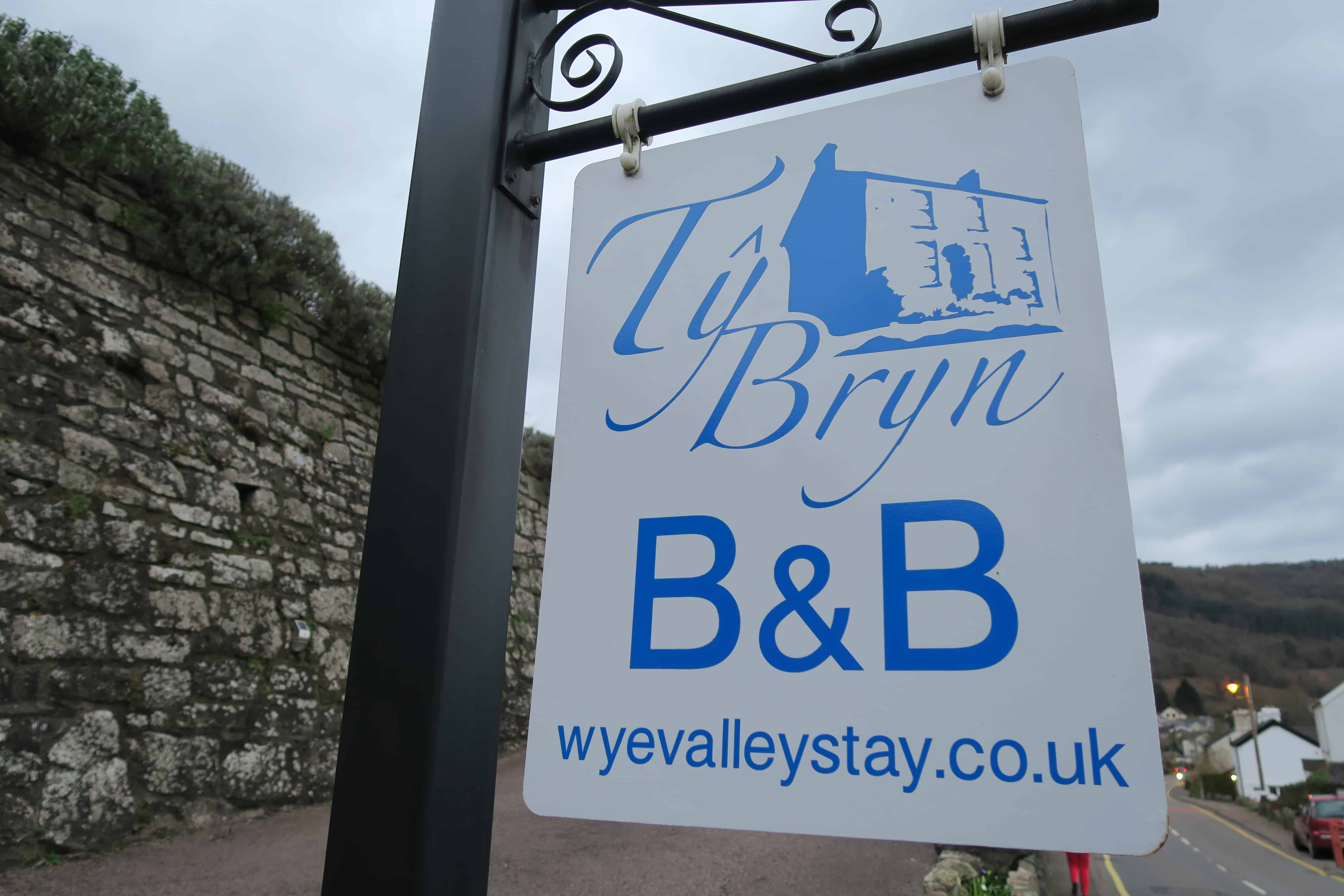 Ty Bryn B&B Sign